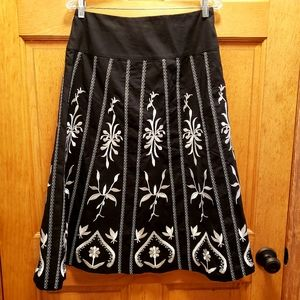 Dialogue size 8 A-line casual skirt